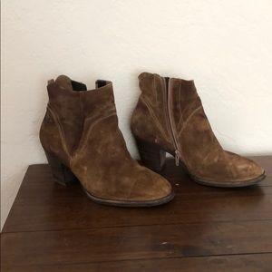 Paul green bootie. 7.5 US brown